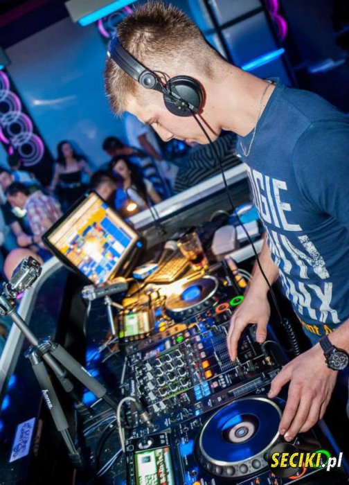 Dj Roobs in the mix MUSIC SELECTION MAY (29-05-2013)